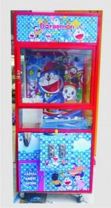 Mesin Capit Boneka Model Gambar Doraemon